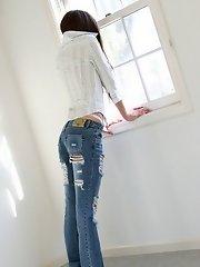 Japanese slut has long hair and a great ass