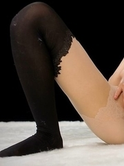 Stockings-clad seductress Yuu Kazuki wearing pantyhose during her solo session