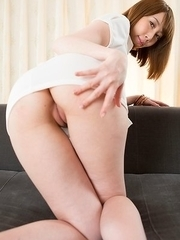 Short-haired beauty Aya Kisaki using her oiled-up ass to earn that huge cumshot