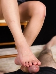 Luna Kobayashi shows her soft soles and jerks this dude off like crazy