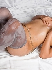 Oily stunner Misato Kagawa spreads her legs and masturbates a lot on cam