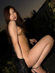 Ryo Shinohara with nude and oiled body takes a night walk