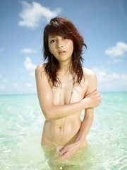 Neo babe with hot curves comes from water like a goddess